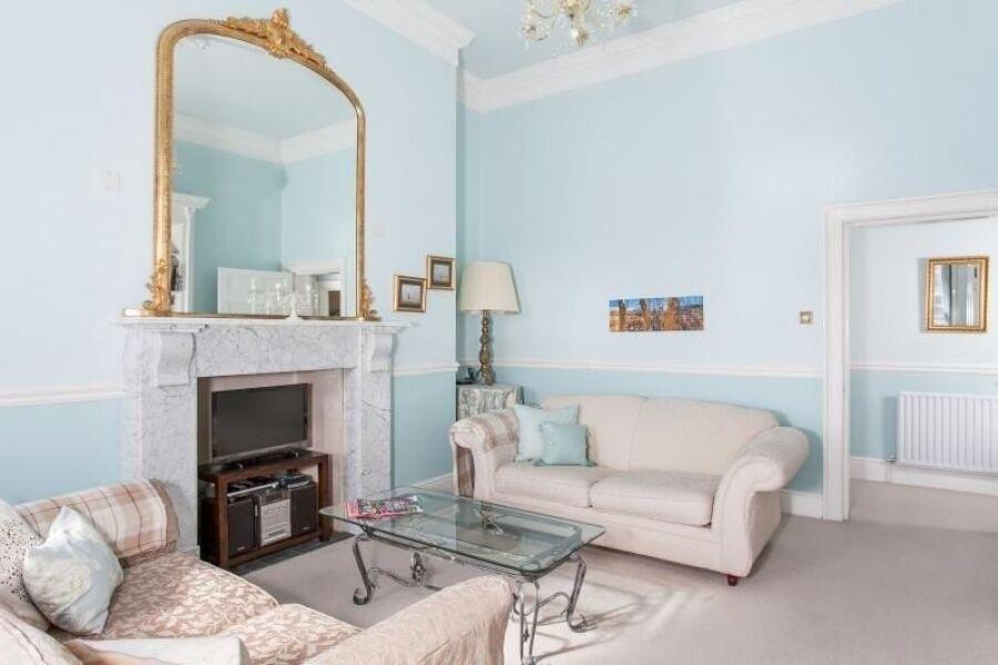 Camden Crescent Apartment - Bath, United Kingdom