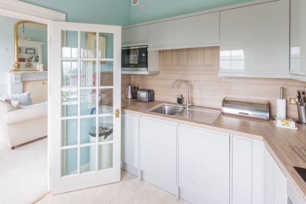 Kitchen, Camden Crescent Serviced Apartment, Bath