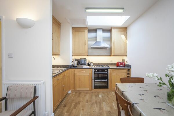 Kitchen, Sydney Stables House Serviced Accommodation, Bath