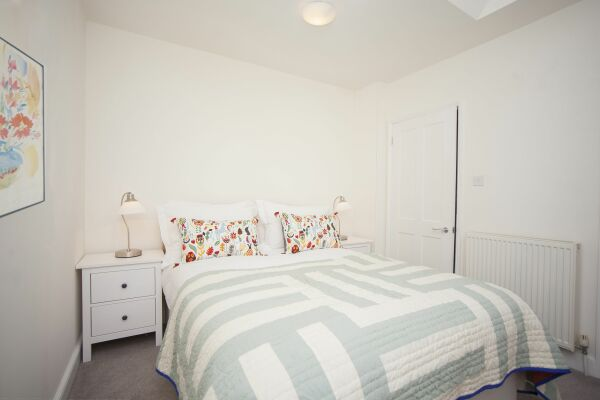 Bedroom, Sydney Stables House Serviced Accommodation, Bath