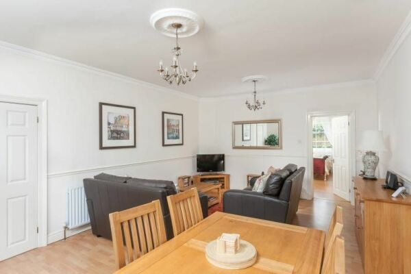Living and Dining Area, Vane Garden Serviced Apartment, Bath