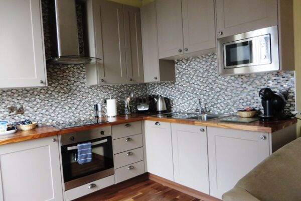 Kitchen, Hewlett Road Serviced Apartments, Cheltenham