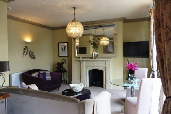Living Area, Hewlett Road Serviced Apartments, Cheltenham