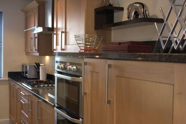 Kitchen, Bullfinch Rise Serviced Apartments, Bracknell