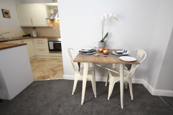 Dining Area, The Courtyard Serviced Apartment, Leamington Spa