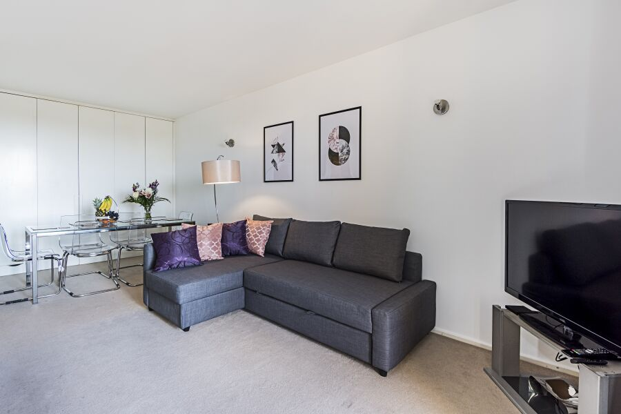 Point West Apartment - Kensington, Central London