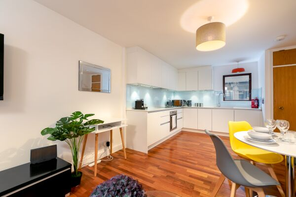 Kitchen and Dining Area, Trafalgar Place Serviced Apartment, London