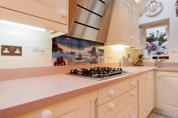 Kitchen, Kingwood Serviced Accommodation, London