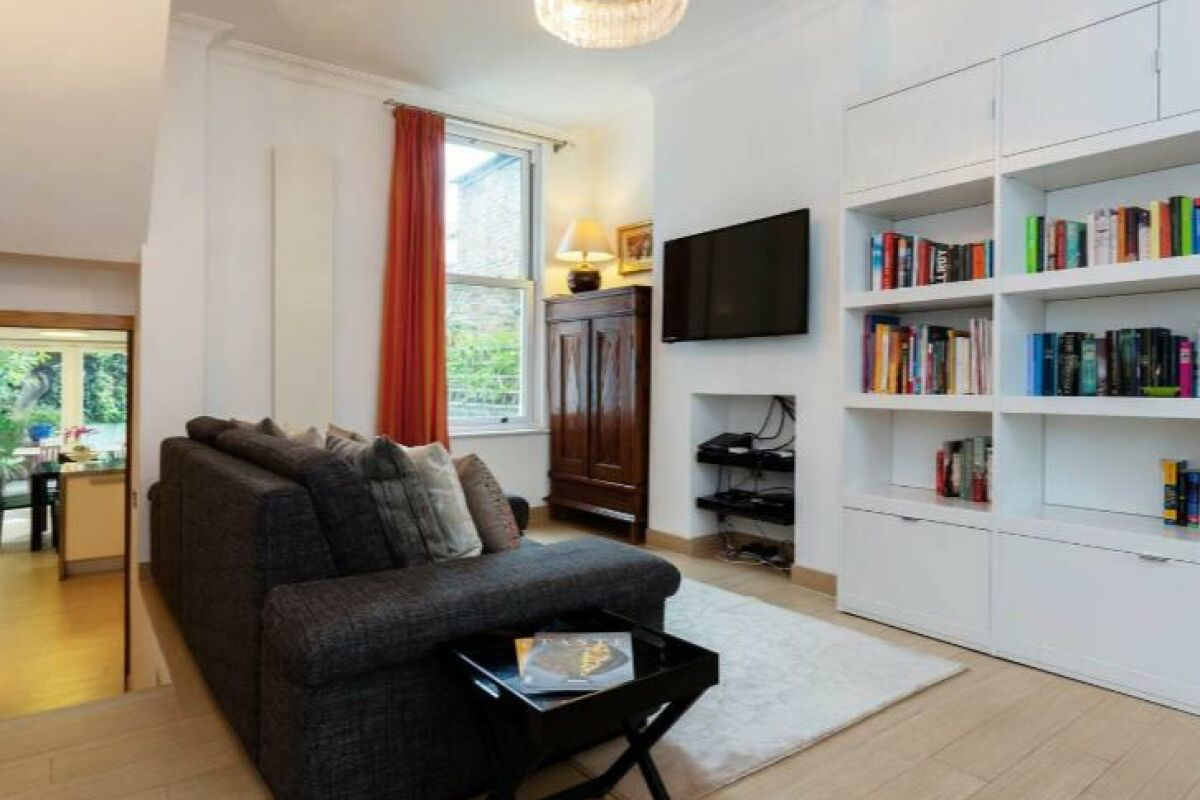Living Area, Fabian Road Serviced Accommodation, London