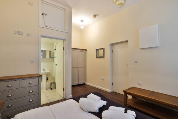 Bedroom, Edgware Road Serviced Apartment, London