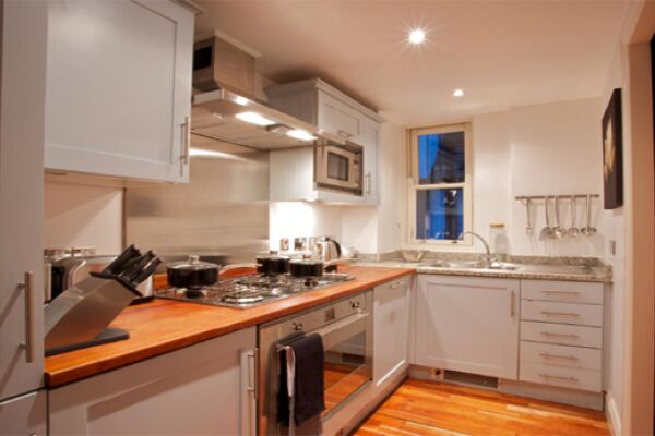 Kitchen, Turner House Serviced Apartments, Covent Garden