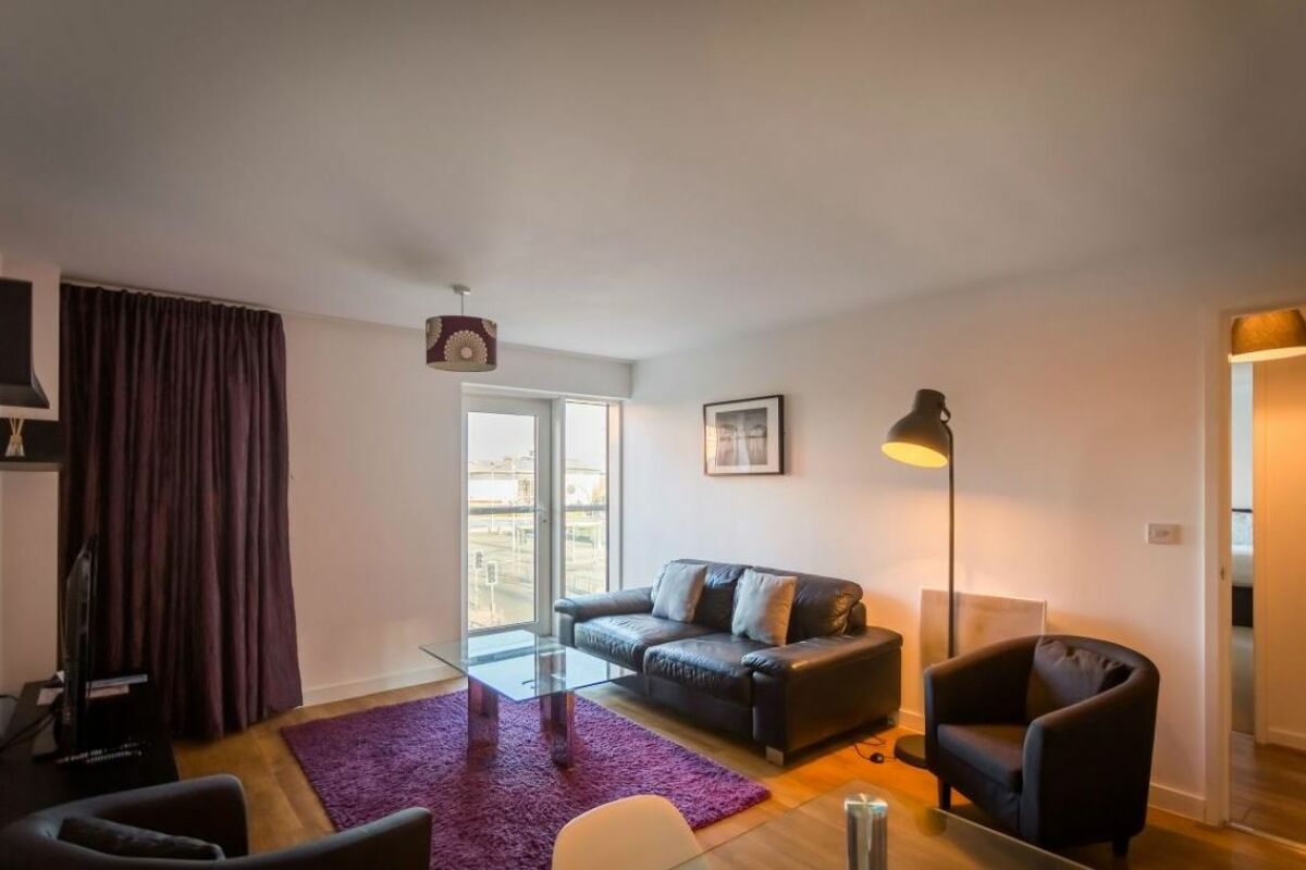 Living Area, Quayside Serviced Apartments, Cardiff