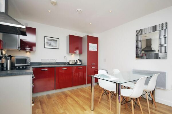 Dining Area, Quayside Serviced Apartments, Cardiff