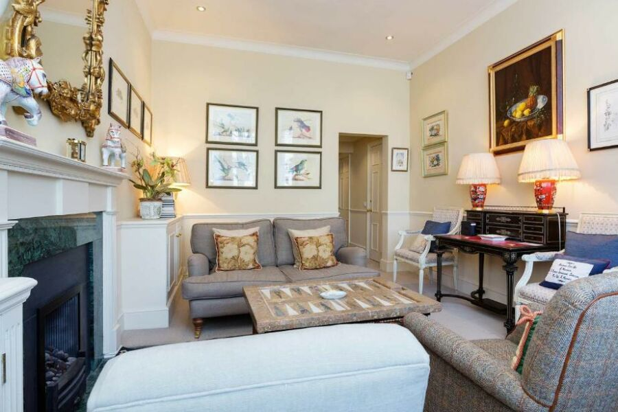 Kensington Church Apartment - Kensington, Central London