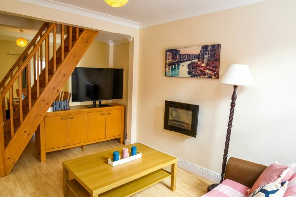 Living Room, Sonder House Serviced Accommodation, Luton