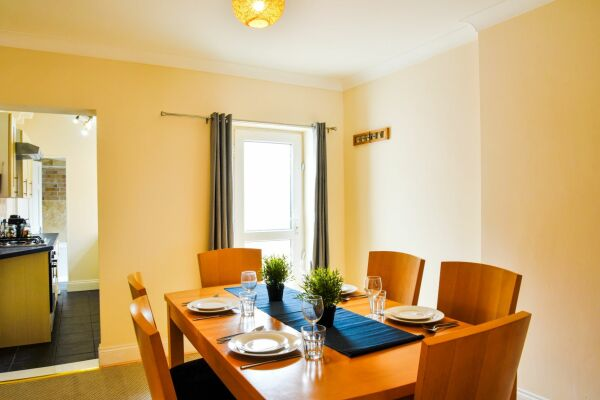 Dining Room, Sonder House Serviced Accommodation, Luton