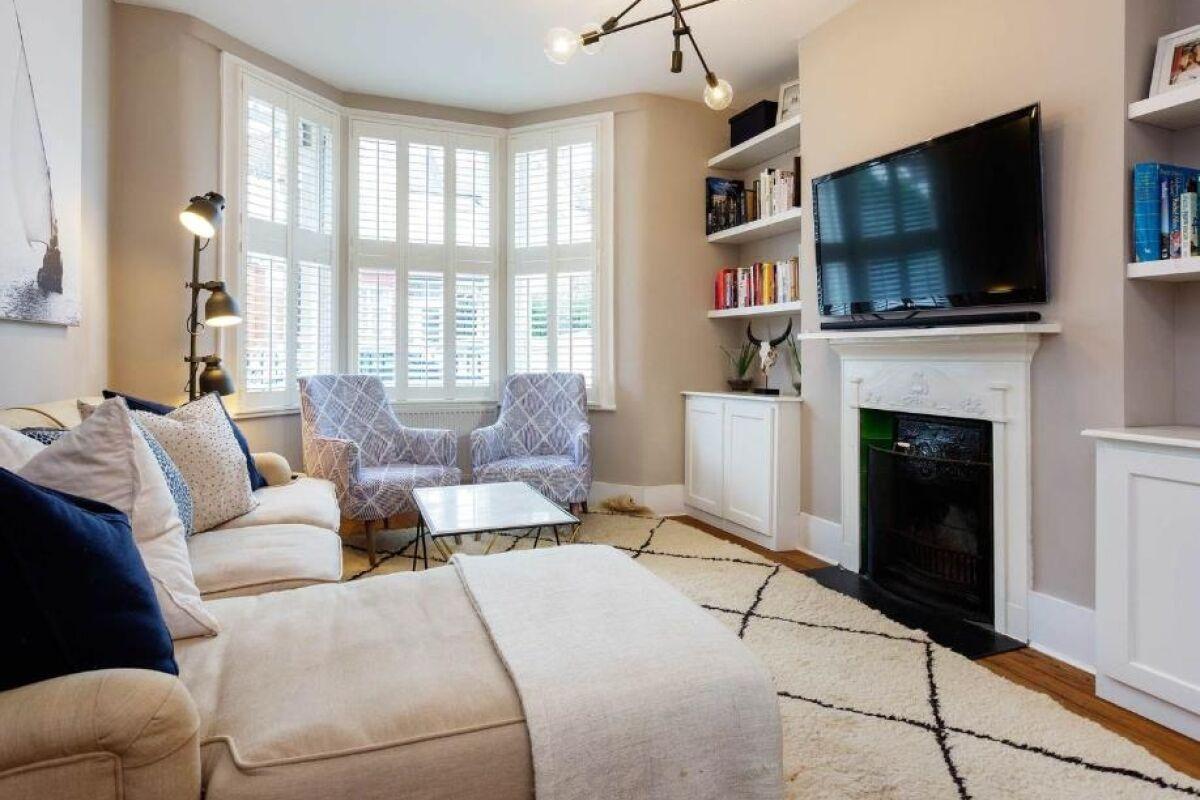 Living Area, Serene Serviced Accommodation, London