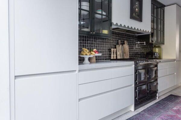 Kitchen, Plympton Road Serviced Accommodation, London