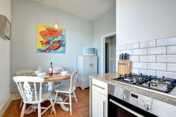 Kitchen and Dining Area, Medina Serviced Apartment, Hove, Brighton