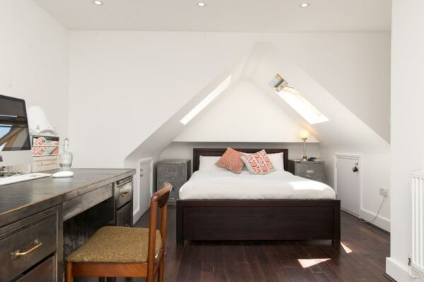 Bedroom, Eton House Serviced Accommodation, East Finchley