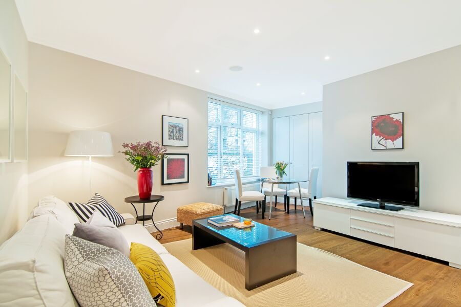 White Hill House 1 Apartment - Clapham, South West London