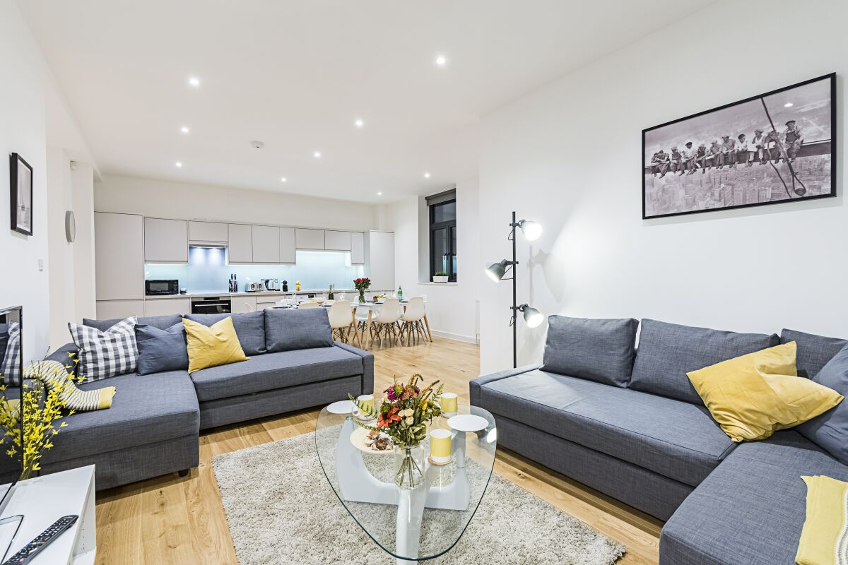 Open Plan Living Area, Vauxhall Serviced Apartments, London