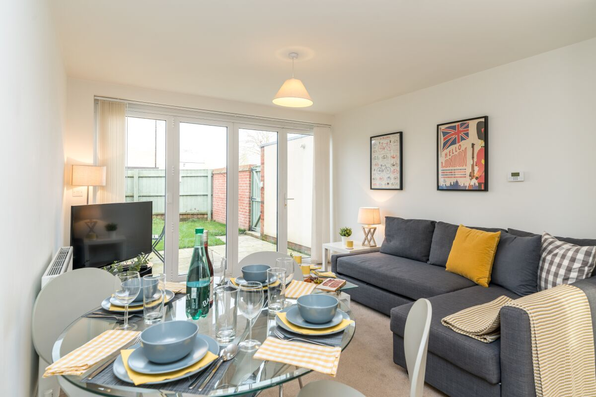 Living and Dining Area, Buttercup Place Serviced Accommodation, Downham Market
