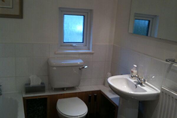 Bathroom: 1 bed Granville Apartments , Sevenoaks