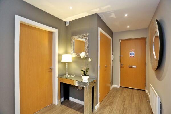 Hallway, Priory Park Serviced Apartments, Aberdeen