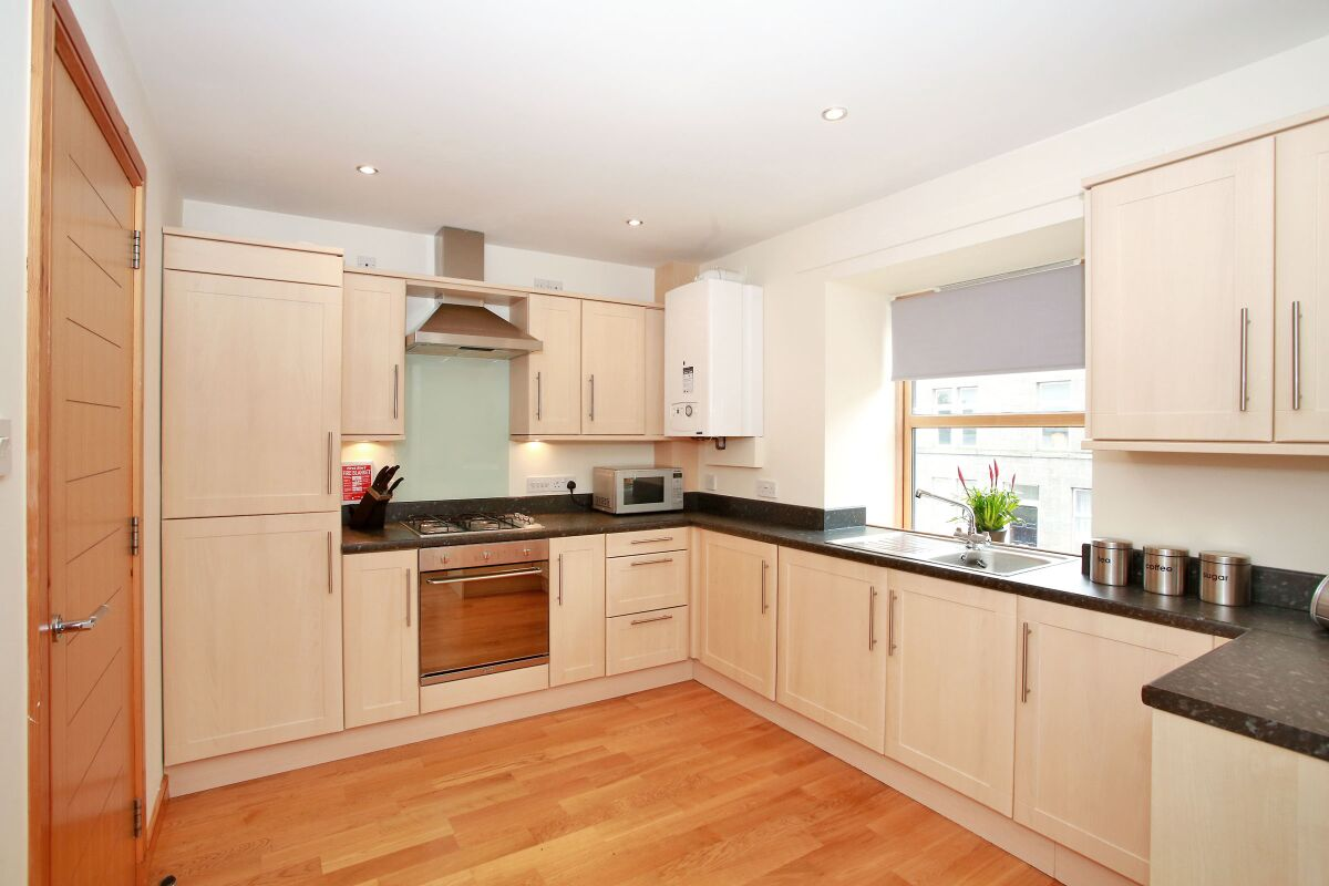 Kitchen, Willowbank Road Serviced Apartments, Aberdeen