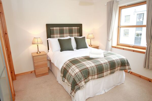 Bedroom, Willowbank Road Serviced Apartments, Aberdeen