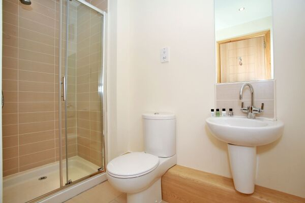 Bathroom, Willowbank Road Serviced Apartments, Aberdeen