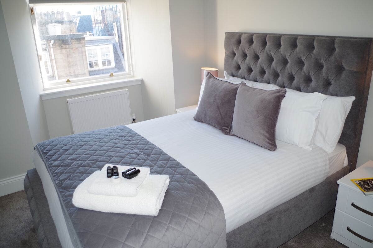 Bedroom, St Vincent Street Serviced Apartments, Glasgow