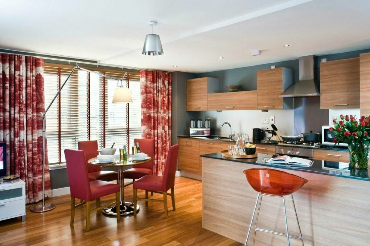 Dining Area, Merchant City Serviced Apartments, Glasgow