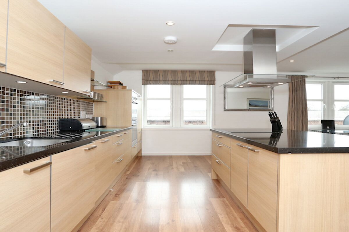 Kitchen, Ferryhill Serviced Apartments, Aberdeen