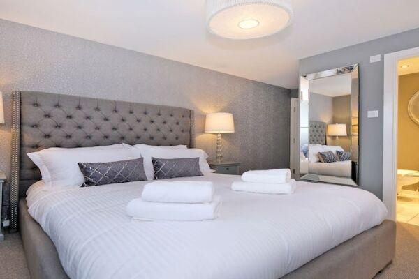 Bedroom, Ferryhill Serviced Apartments, Aberdeen
