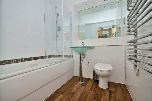 Bathroom, The Wharf Serviced Apartment, Chester