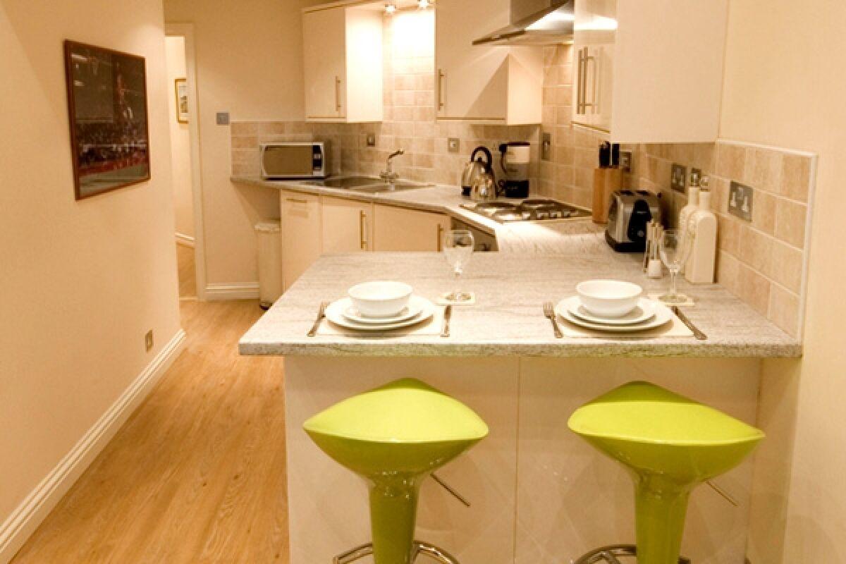 Kitchen, Allanvale Road Serviced Apartment, Bridge of Allan, Stirling