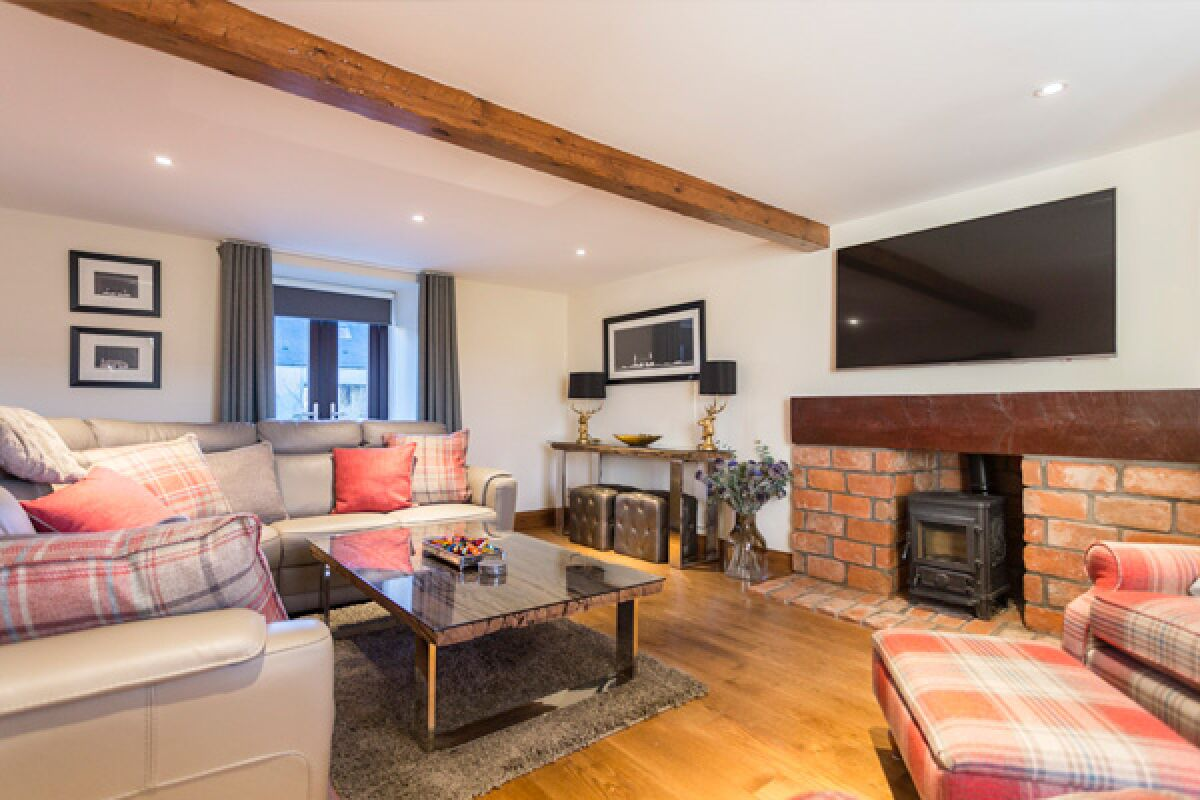 Living Area, Lallybroch House Serviced Accommodation, Stirling