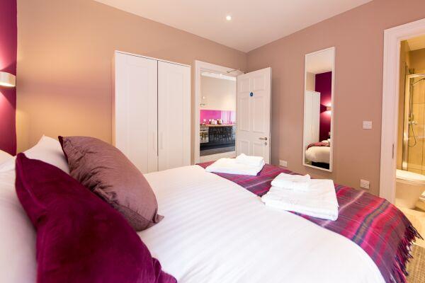 Double Bedroom, Hanover Street Serviced Apartments, Edinburgh