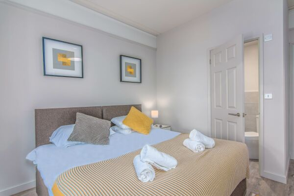Bedroom, Eden Lodge Serviced Apartments, High Wycombe