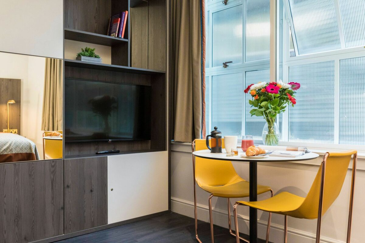 Dining Area, Vincent Serviced Apartments, Glasgow