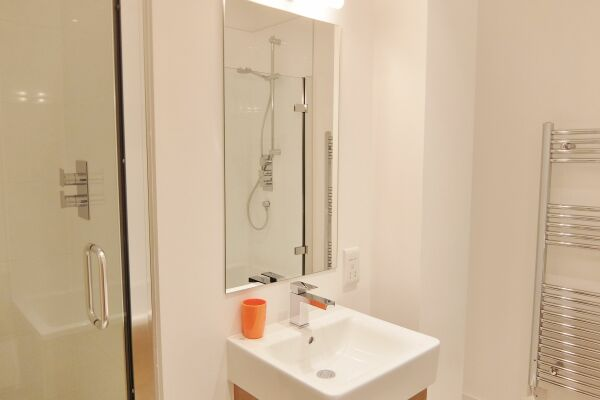 Shower Room, Twickenham Fraser Serviced Apartments, London