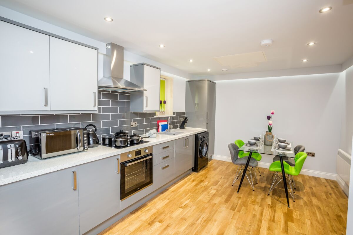 Kitchen, Kirkgate Serviced Apartments, Huddersfield