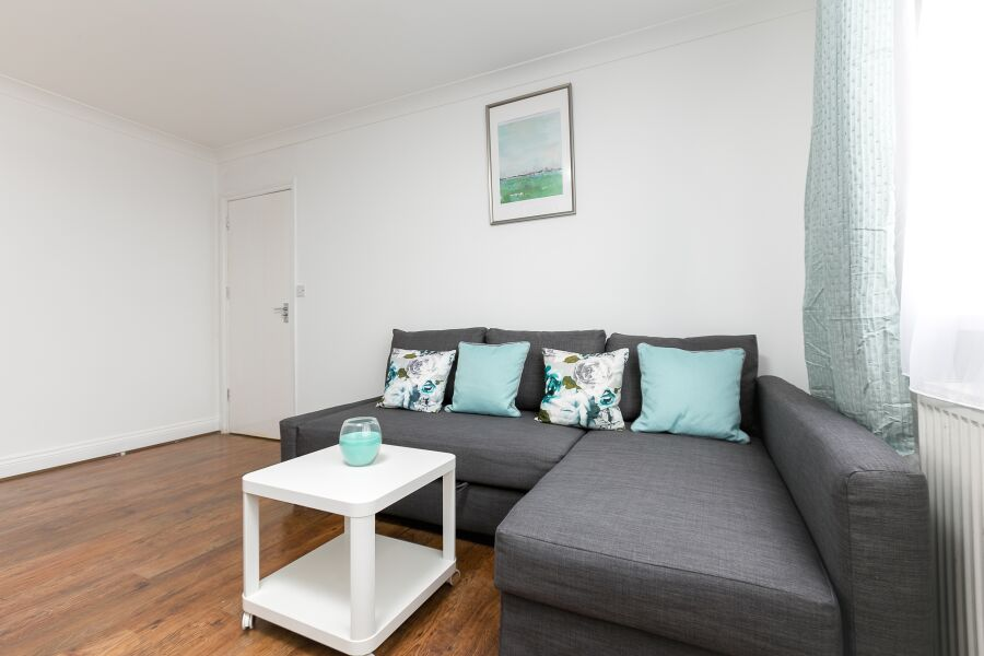 Northern Avenue Apartments - Enfield, Greater London