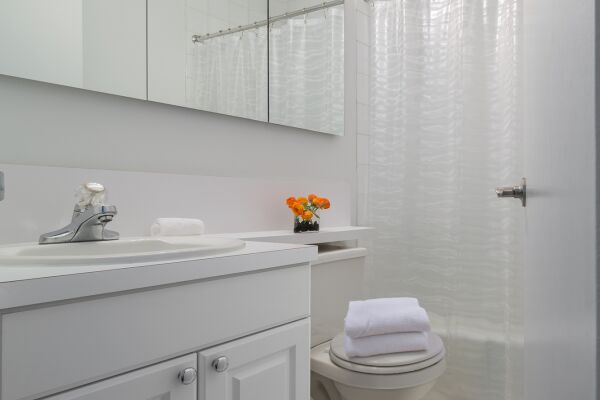 Bathroom, La Premiere Serviced Apartments, New York