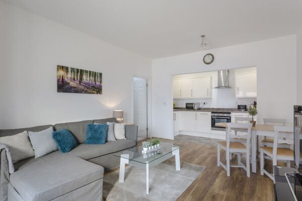 Living Area, Highview Court Serviced Apartments, Luton
