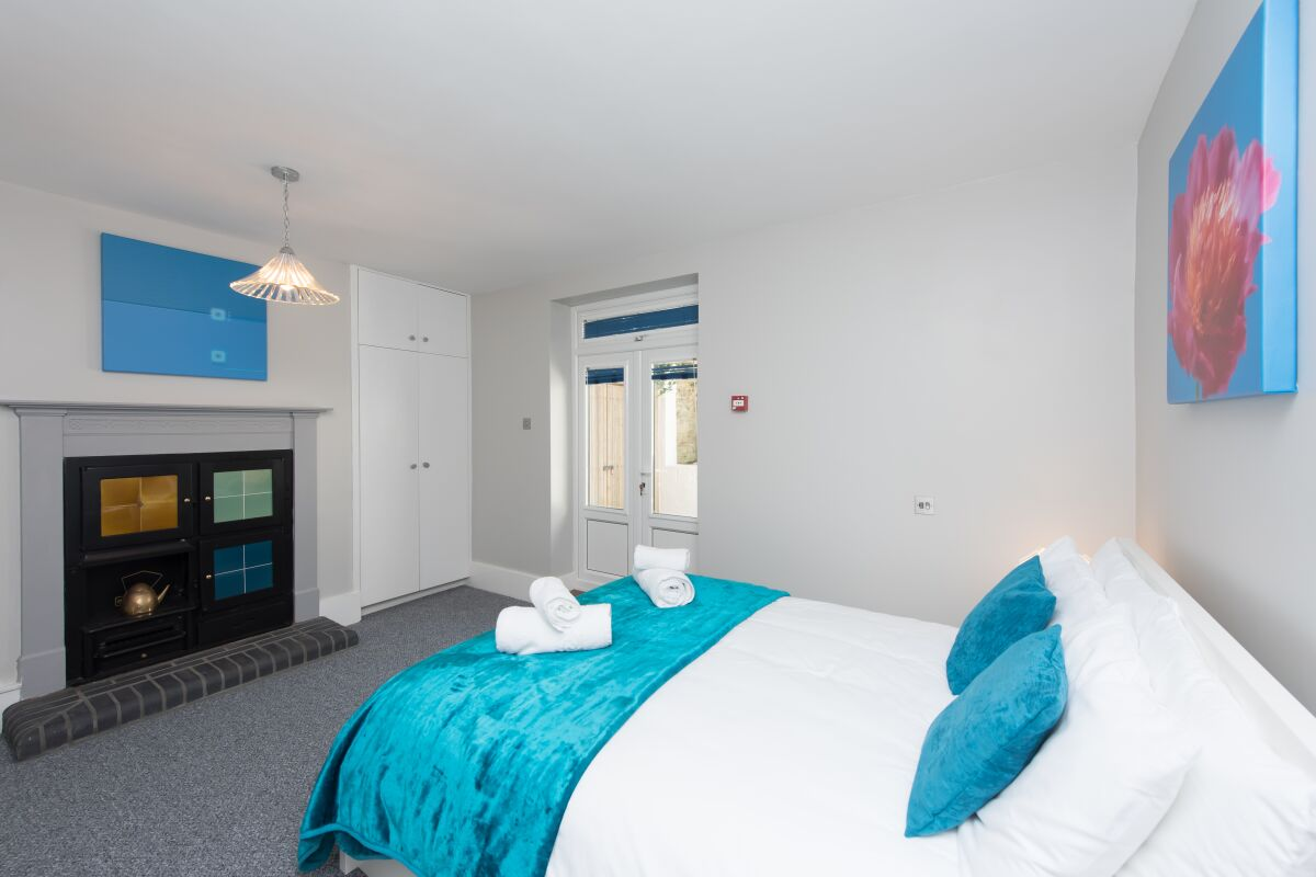Bedroom, Sea Front Walk Serviced Apartments, Broadstairs, Kent