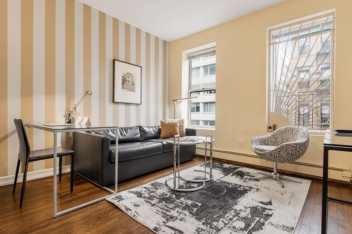 Living Area, 427 East Serviced Apartments, New York
