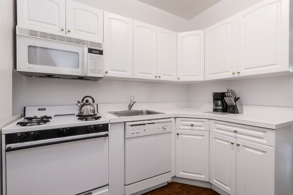Kitchen, 427 East Serviced Apartments, New York